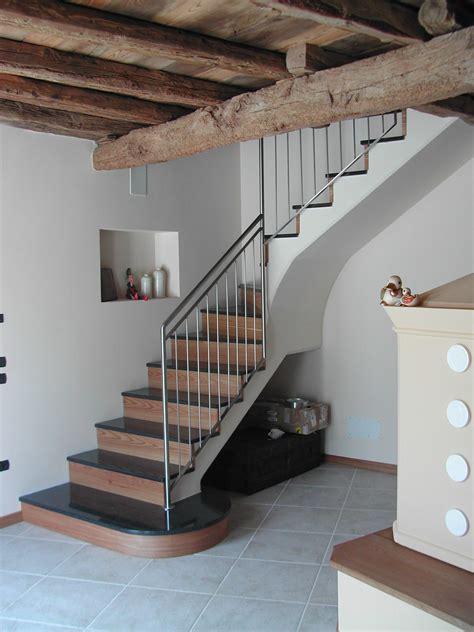 balaustra scala interna tecos ringhiera per scala in abitazione privata tecos