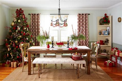big christmas tree in small room 21 dining room decorating ideas with festive flair
