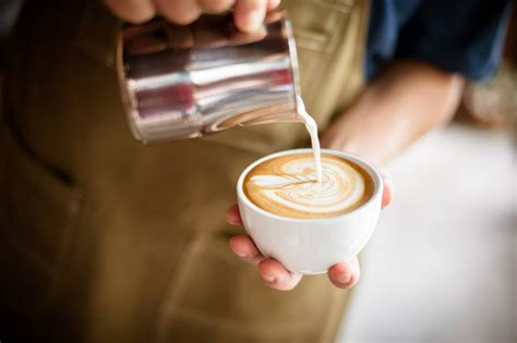 awesome easy tips on how to use steaming milk for latte