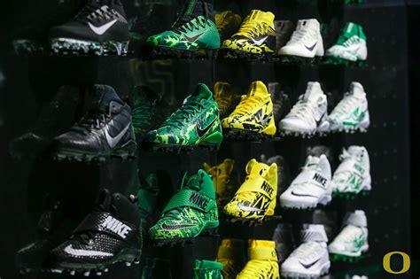 oregon ducks football shoes oregon ducks nikes sole collector