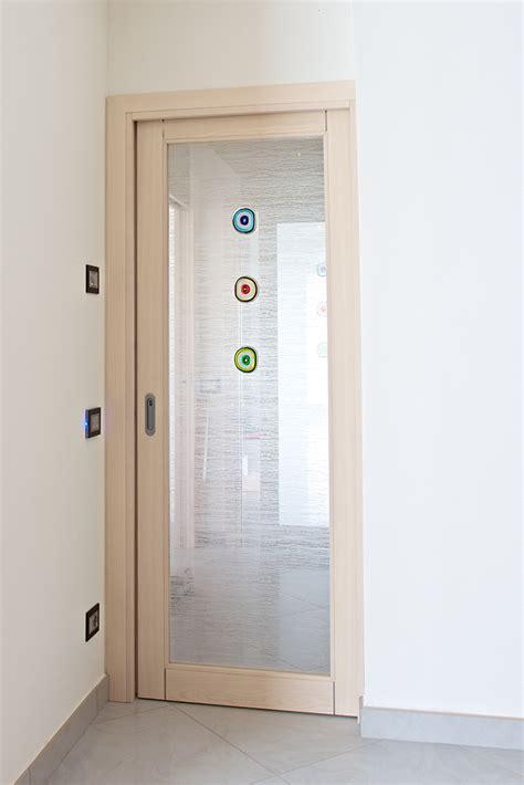 porta decorata porta decorata con formelle conselvetro