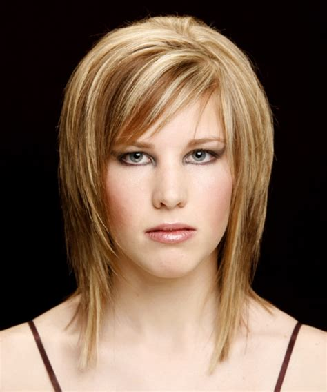 front view of side swept hairstyles medium straight casual hairstyle with side swept bangs
