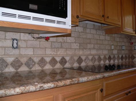 travertine kitchen backsplash kitchen backsplash make over everythingtile