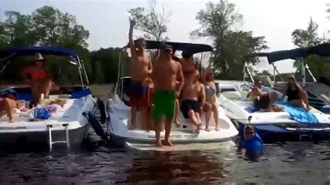 boat song party 2014 grand lake new brunswick poker run boat party youtube