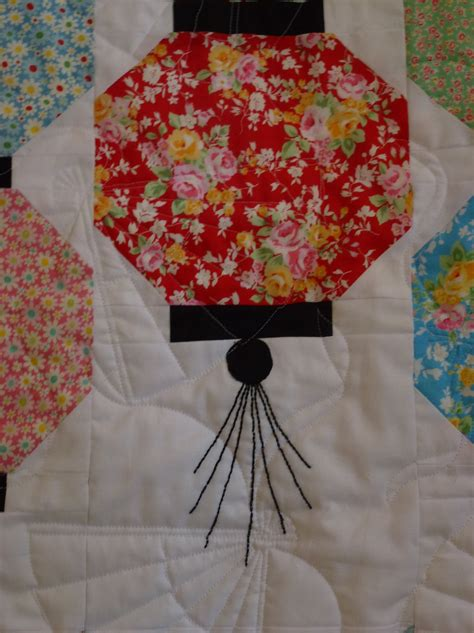 Lantern Quilt Pattern by Loving Lantern Quilt Cattylilsewnsew