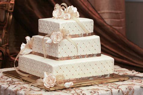 cheap wedding decoration ideas  tables romantic