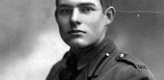 biography ernest hemingway short reviews ernest hemingway books