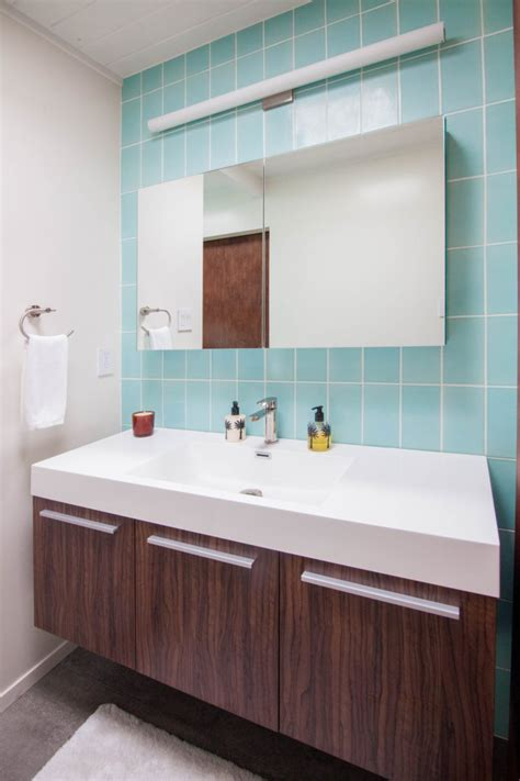 mt ranier eichler  aqua bathroom fireclay tile