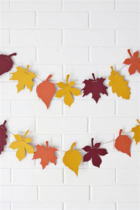 Paper Leaves Craft - easy thanksgiving crafts and projects easyday