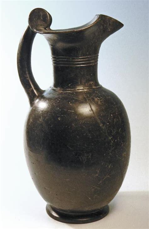 vasi etruschi buccheri etruscan bucchero trefoil oinochoe