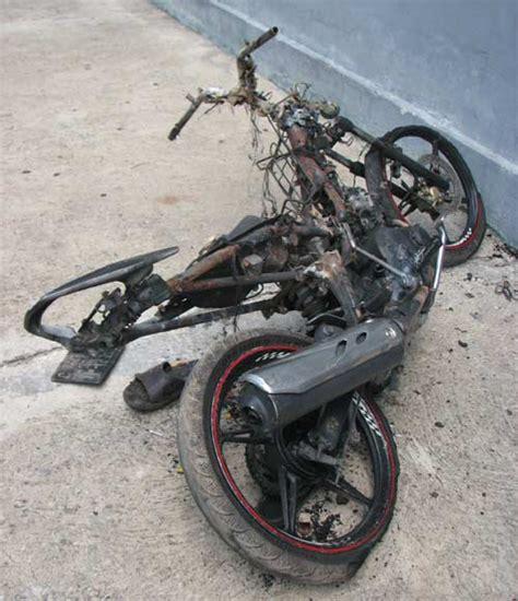 Sepatu Vn Sn C 07 thanh ni 234 n đi exciter trộm ch 243 bị đốt trụi xe 2banh vn