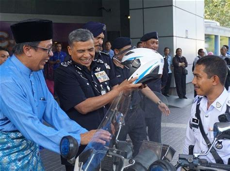 Meraih Jabatan Chief Information Officer celcom celebrates ramadhan with malaysia traffic