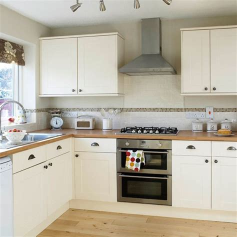 Designs For Kitchen Cupboards by Be Inspired By This Simple Shaker Kitchen Makeover