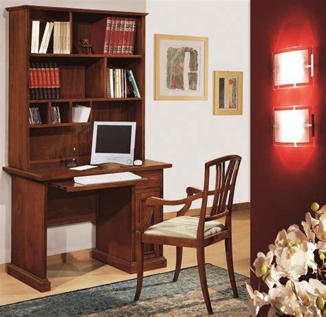 scrivania con alzata scrivania porta computer alzata