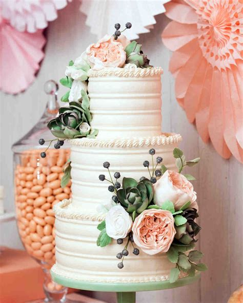 Wedding Cake Icing Options by A Sweet Guide To Choosing A Frosting For Your Wedding Cake