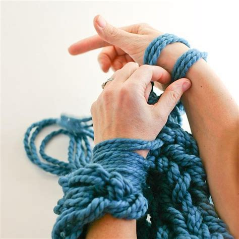 arm knit an intro guide to arm knitting loveknitting