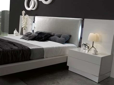 white lacquer bedroom furniture luxurious white lacquer bed sj dolores contemporary bedroom