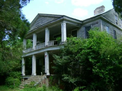 cheap old mansions for sale dilapidated plantation on the cheap rich with history