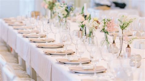 5 Ideas For Wedding Reception Table Decorations   Crystal