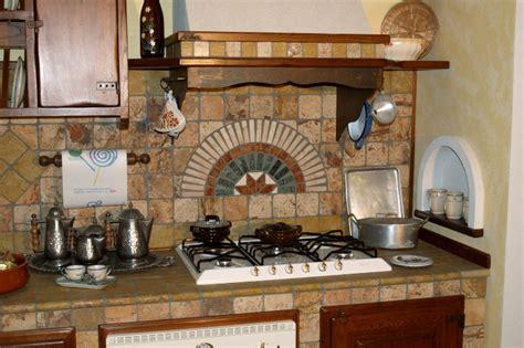 cucina piastrellata cucina in muratura rustica etruria