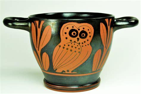 antico vaso greco vaso greco con civetta
