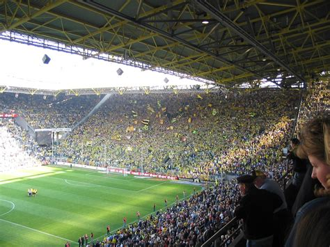 signal iduna park away section informations