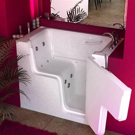 small walk in bathtub best 25 walk in tubs ideas on pinterest walk in bathtub walk in tub shower and walk in tubs
