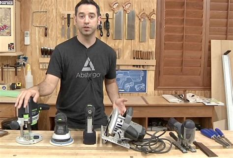 basic tool set   beginning woodworker  wood