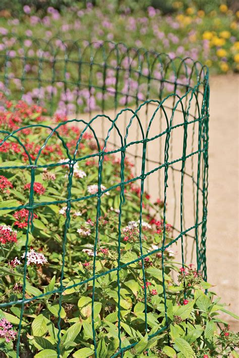 Decorative Garden Border Fence by Decorative Wire Border Fence In 4 Heights Gardeners