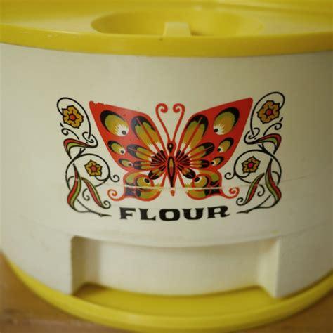 vintage kitchen ceramic flour sugar coffee tea vintage sterilite flour tea sugar coffee lazy susan