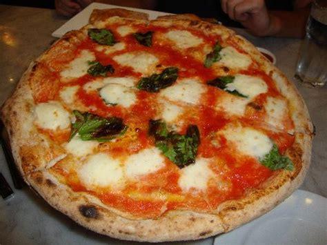pizzeria gemelli diversi foggia pizzerie aperte fino alle 2