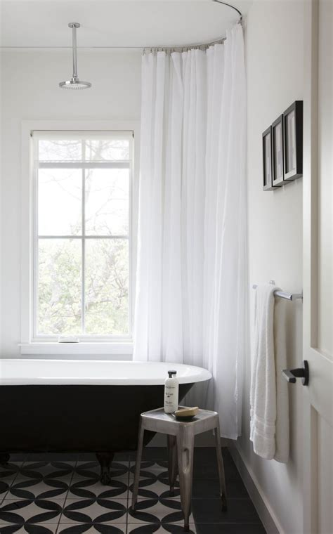 clawfoot tub curtains 25 best ideas about clawfoot tub shower on pinterest