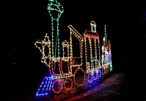 cape henlopen christmas lights light spectacular show sparks holiday fundraising one car
