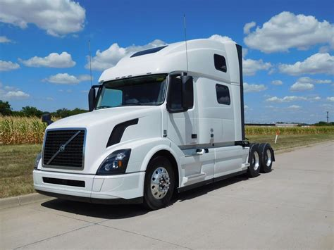 volvo vnlt conventional trucks  sale   trucks