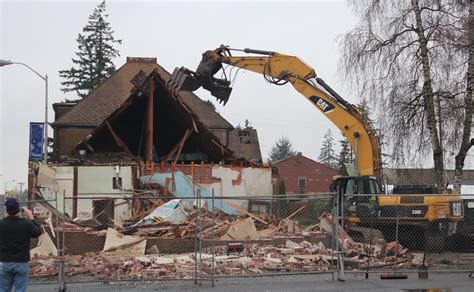 how demolition services can help rebuild your new home
