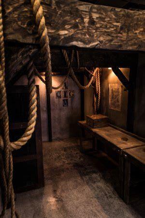 great room escape layton