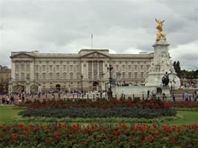 bukingham palace file benkid77 buckingham palace 1 100809 jpg