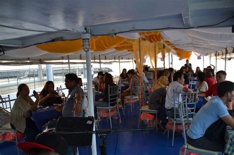dinner on a boat in the bay manila bay dinner cruise is it worth your time and money