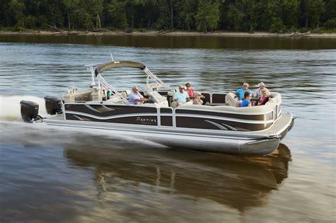 dodici pontoon premier shows off 12 wide triple engine dodici model