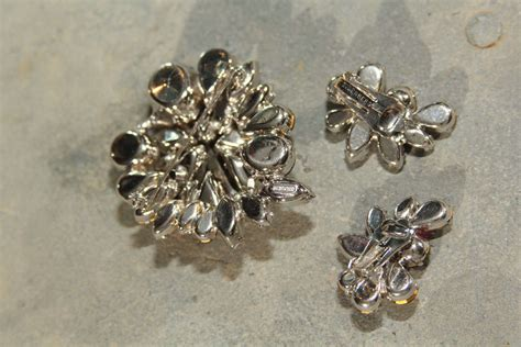 Eisenberg pin and earring set For Sale at 1stdibs