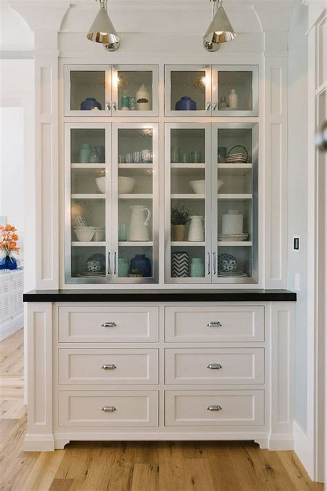 white kitchen hutch cabinet 25 best ideas about kitchen butlers pantry on pinterest