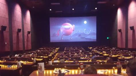 cinema suites under 21 amc dine in theaters en downtown disney cines en orlando
