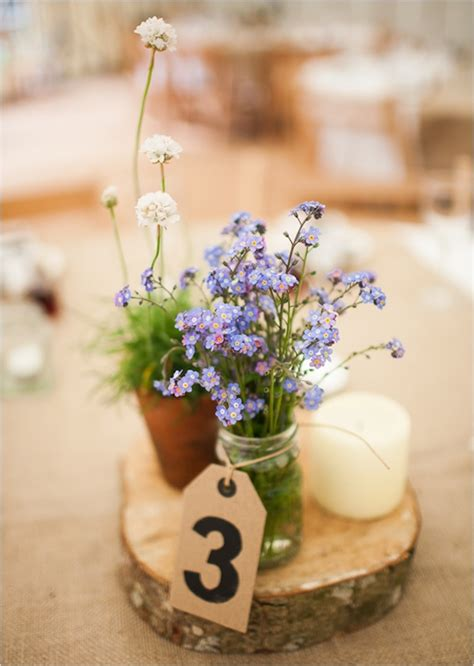 Handmade Centerpiece Ideas - two simple table decorating ideas diy flower centerpieces