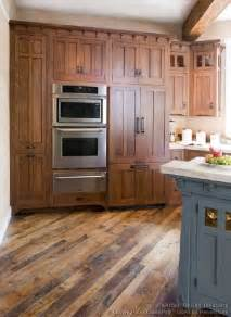 Mission Cabinets Kitchen by Best 25 Mission Style Kitchens Ideas On Pinterest