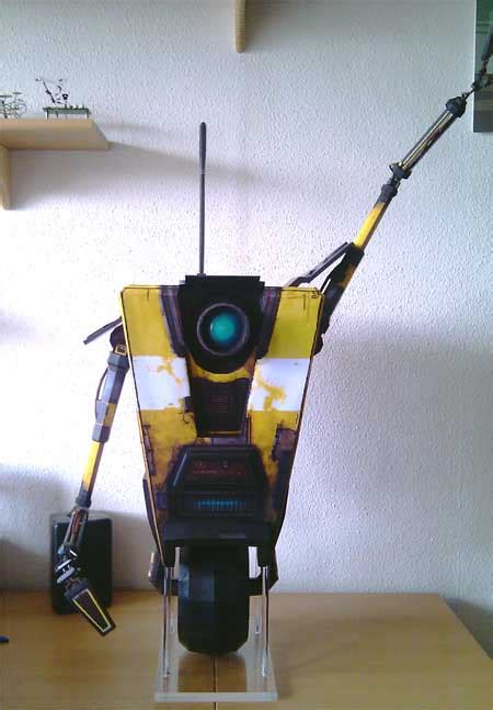 Claptrap Papercraft - awesome borderlands claptrap papercraft cl4p tp