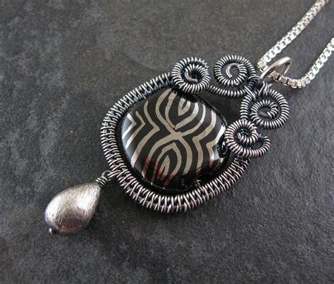 wire jewelry tutorials wickwire jewelry free tutorial 2 woven wire pendant