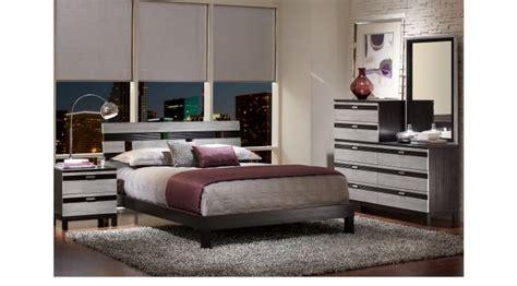 gardenia silver 5 pc queen platform bedroom queen gardenia silver 5 pc king platform bedroom contemporary