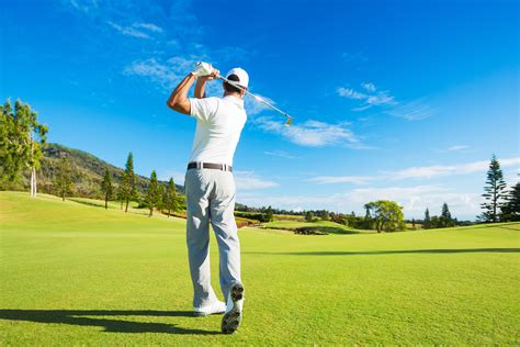 golfer swinging overview of a great golf swing golf loopy play your