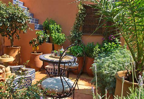 balkongarten anlegen pflanzen eintopfen und umtopfen mit dem ratgeber obi