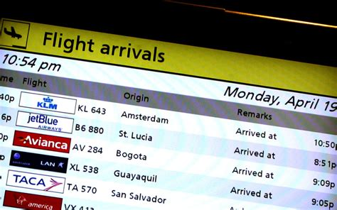 Flights Resume To Europe by Europe Flights Resume New Ash Cloud On Horizon Emirates